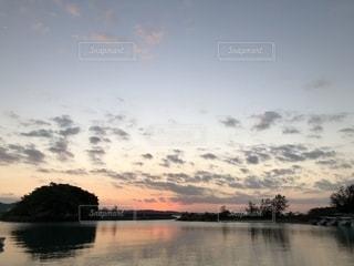 水の大きな体の写真・画像素材[1610801]