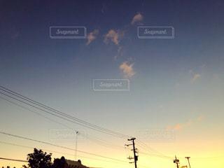街に沈む夕日の写真・画像素材[1653257]