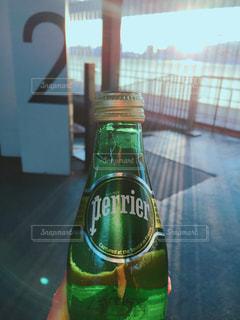 クローズ ボトルのアップの写真・画像素材[914522]