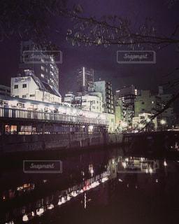 夜の街の景色の写真・画像素材[766701]