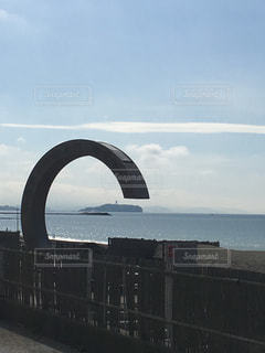 水の体の上の橋の写真・画像素材[776469]