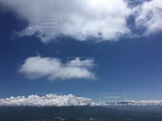 雲で隠れた八ヶ岳の写真・画像素材[2209975]