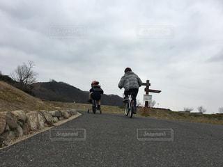 自転車の練習の写真・画像素材[1014847]