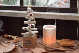 テーブルの上のコーヒー カップ - No.915434