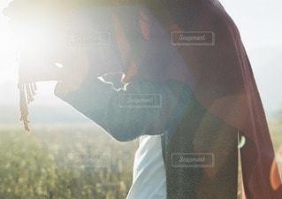 近くに男のアップの写真・画像素材[123]