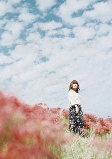 草の上に乗って男カバー フィールドの写真・画像素材[1181]