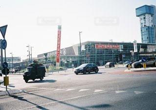 車の通りの都市の運転の写真・画像素材[1213]