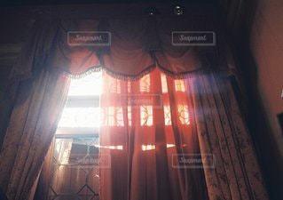 近くにカーテンのアップ - No.1219