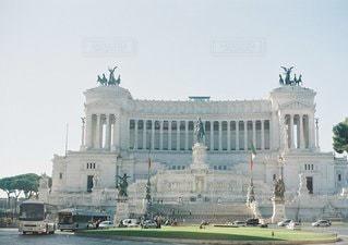 大きな白い建物の写真・画像素材[1362]