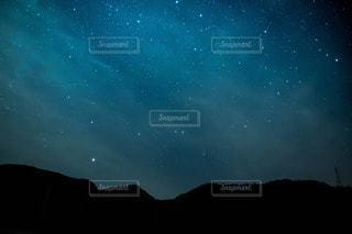 夜空と夜景の写真・画像素材[51896]