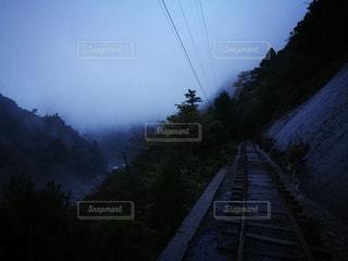 トロッコ道と朝靄と - No.759719