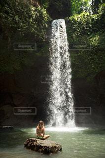 女性の写真・画像素材[365635]