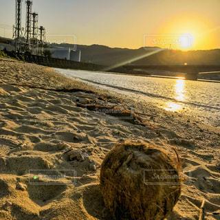 奄美三角浜の夕焼けの写真・画像素材[1186983]