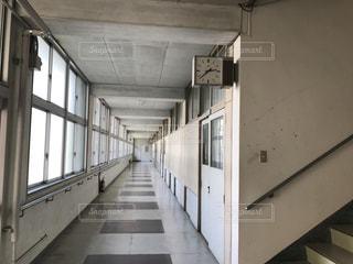 母校の廊下の写真・画像素材[775951]