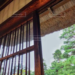 大きな窓の景色、日本の写真・画像素材[749883]