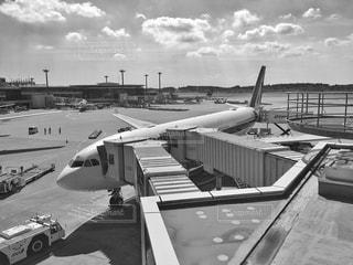 飛行機のモノクロ写真 - No.790330