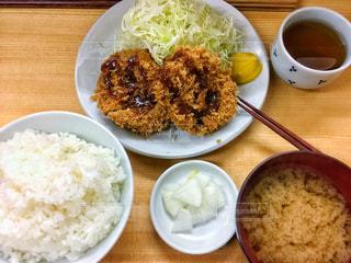 皿の上のご飯 - No.937146