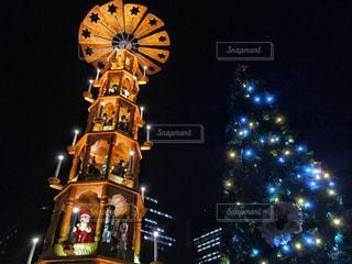 クロック タワーは夜ライトアップの写真・画像素材[937204]