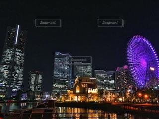 夜の街の景色の写真・画像素材[1117031]
