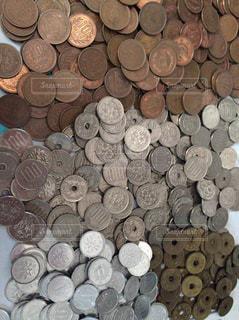 お金,100円,小銭,硬貨,貯金,10円,1円,50円,5円,お小遣い