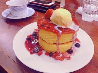 ベリーパンケーキの写真・画像素材[884579]