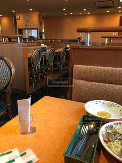 外食中の写真・画像素材[967226]