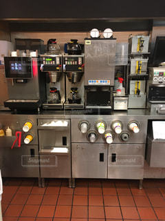マクドナルドの厨房の写真・画像素材[2773211]