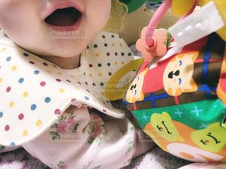 おもちゃでご機嫌な赤ちゃん - No.1127254