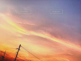オレンジに染まる空の写真・画像素材[1311139]