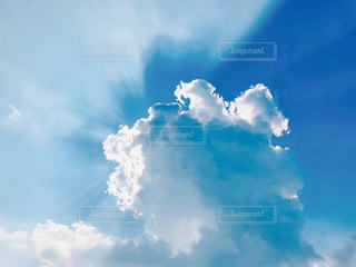 青い空と入道雲の写真・画像素材[1358278]
