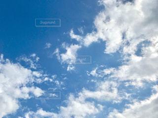 青空と雲の写真・画像素材[1374677]