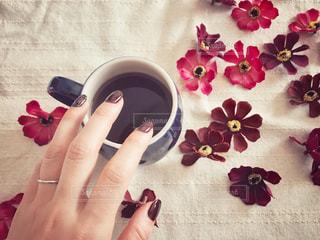 コーヒーと秋ネイルの写真・画像素材[1505289]