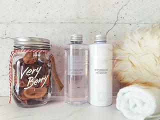 化粧水と乳液の写真・画像素材[1513572]