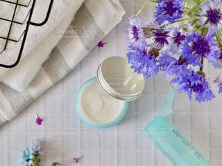 ニキビケアの化粧水とクリームの写真・画像素材[2138915]