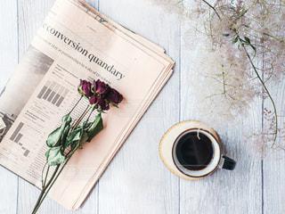 ドライフラワーとコーヒーの写真・画像素材[2179208]