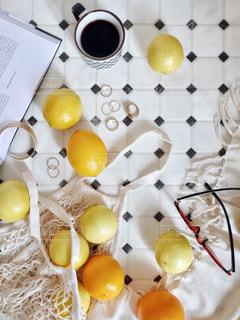 レモンの置き画の写真・画像素材[2867495]