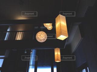 店内ライトの写真・画像素材[989584]