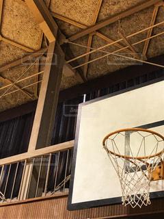 体育館のバスケットゴールの写真・画像素材[1018355]