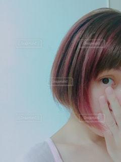 セルフ赤メッシュミニボブの写真・画像素材[1374593]