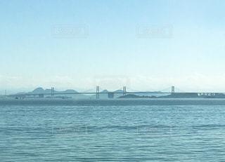 遠目から瀬戸大橋の写真・画像素材[1416579]