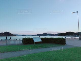 瀬戸内海の港夕方の風景の写真・画像素材[1550418]