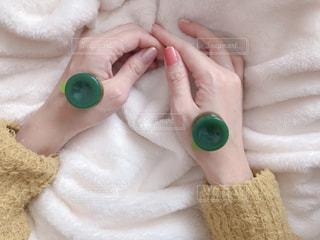 レンジ灸中の手の写真・画像素材[1681341]