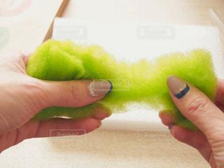 羊毛フェルトを引き抜くの写真・画像素材[1780535]