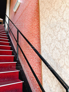 おしゃれカフェの階段の写真・画像素材[1964826]
