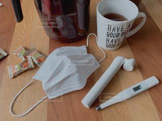 熱が出たから暖かい紅茶で静養の写真・画像素材[2015381]