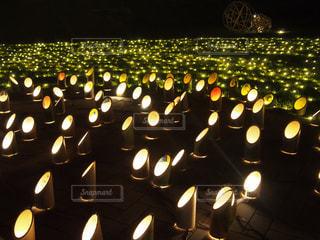 竹あかりのライトアップの写真・画像素材[2354689]