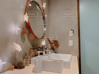 おしゃれ洗面所の写真・画像素材[2376054]