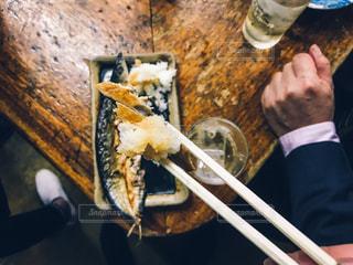 人保持食品の写真・画像素材[813627]