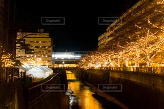 夜の街の景色の写真・画像素材[861203]