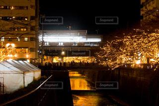 夜の街の景色の写真・画像素材[861204]